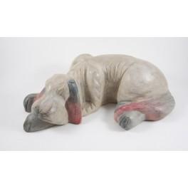 Chien couché sculpté en bois de Suar - 36x10