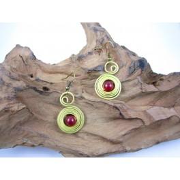 Boucles d'oreilles en Laiton et Pierre Rouge - BC066