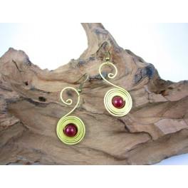 Boucles d'oreilles en Laiton et Pierre Rouge - BC067