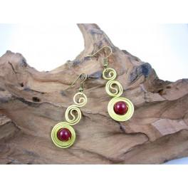Boucles d'oreilles en Laiton et Pierre Rouge - BC069