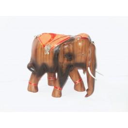 Eléphant sculpté en bois de Suar 21X23