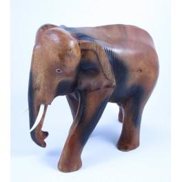 Eléphant sculpté en bois de Suar 23X22