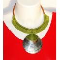 Collier Ethnique Tressé Vert et Nacre