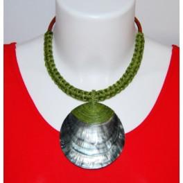 Collier Ethnique en Nacre et Tressage Vert