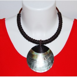 Collier Ethnique en Nacre et Tressage marron