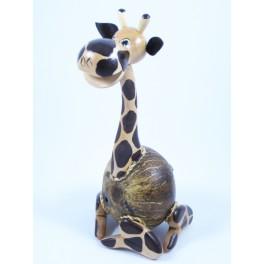 Tirelire Girafe assise en noix de coco