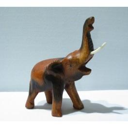 Eléphant sculpté en bois de Suar 12x9