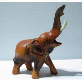 Eléphant sculpté en bois de Suar 15x11