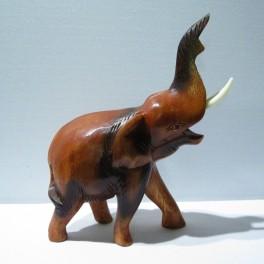 Eléphant sculpté en bois de Suar 21x15