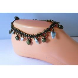 Bracelet de cheville avec perles et pierres de howlite blanche