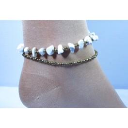 Bracelet de cheville avec perles et pierres de Howlite