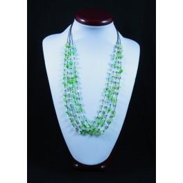 Collier de pierres verte
