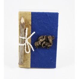 calepin en papier de murier 15x10 bleu foncé et son crayon
