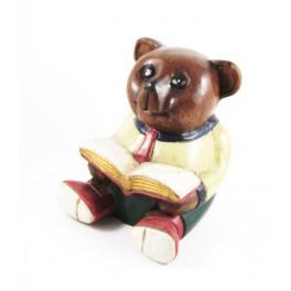 Ourson assis avec un livre sculpté en bois de Suar - 17x15