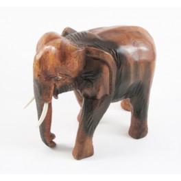 Eléphant trompe baissée sculpté en bois de Suar 16x17