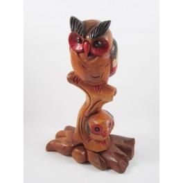 Chouette colorée et son petit sur branche en bois de suar - 31x18
